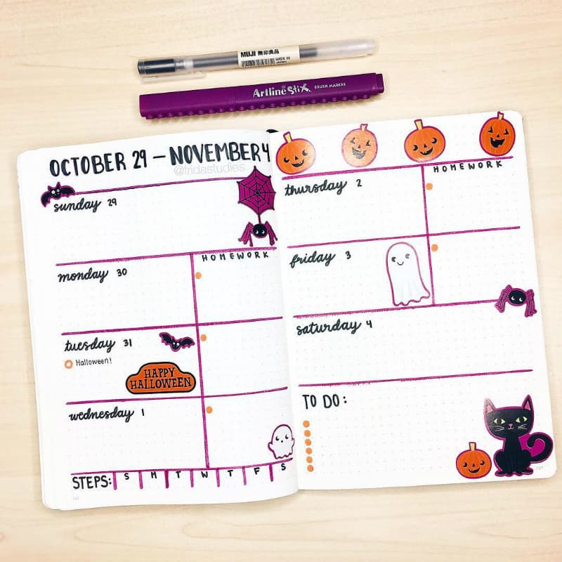 Halloween Bullet Journal Weekly Spreads and layouts by @fridastudies